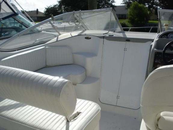 Bayliner 2855 Siera Sanbridge10