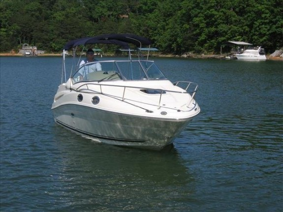 Sea Ray 240 Sundancer1